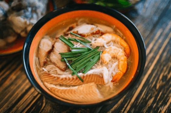 Bát bún nước lèo đẹp mắt của ẩm thực Sóc Trăng
