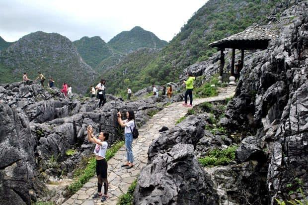 Phong cảnh hùng vĩ ở Đồng Văn (Ảnh: ST)