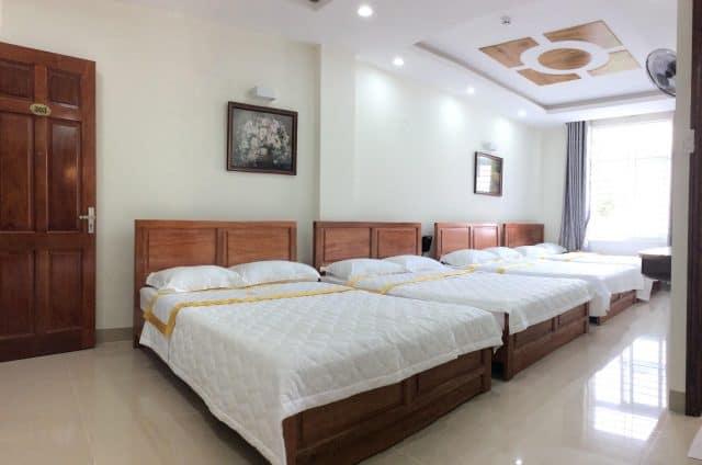 Căn phòng ngập tràn nắng ở khách sạn Hang Nga Luxury (ảnh ST)