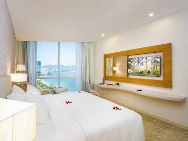 """""""Bao trọn view"""" với top 10 khách sạn Nha Trang gần biển nhất"""