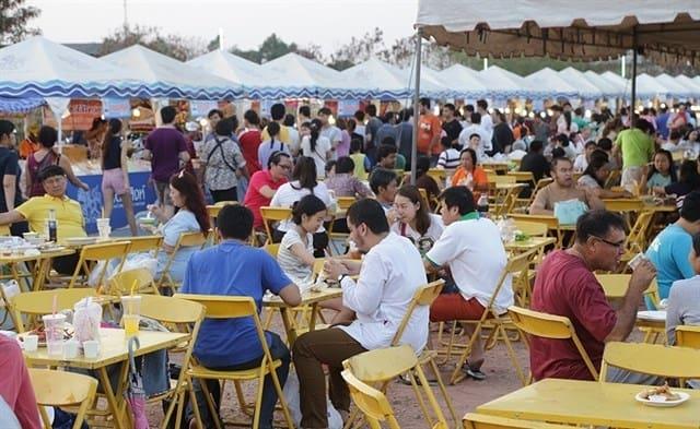 Festival đông kín người tham gia (ảnh ST)