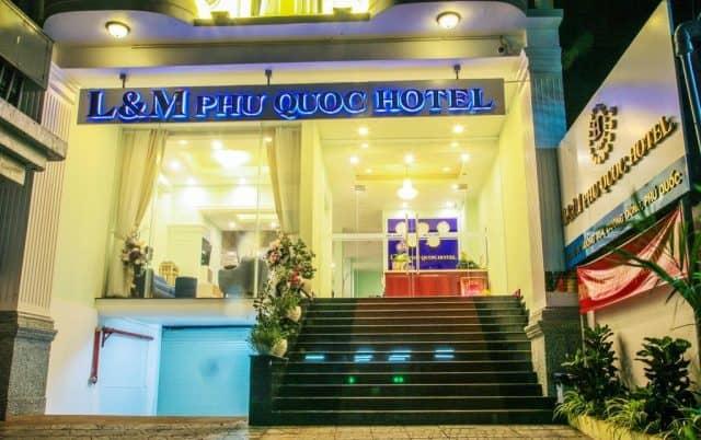 Cửa vào khách sạn L&M Hotel Phú Quốc (Ảnh ST)