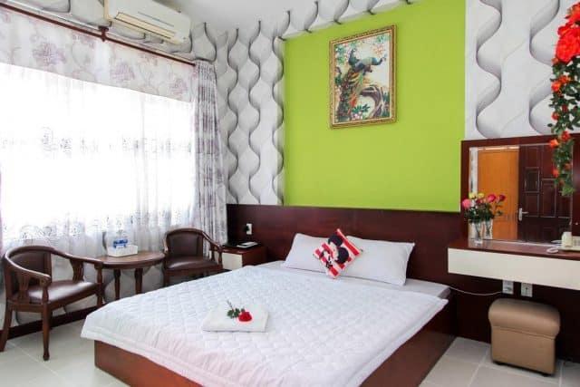 Căn phòng hiện đại ở Ngoi Sao Hotel (ảnh ST)