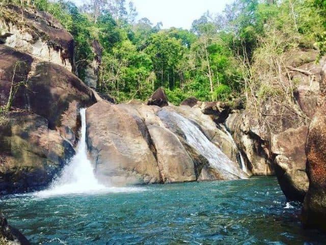"""Thác Bà Bình Thuận - """"Dịu dàng"""" giữa núi rừng hùng vỹ"""