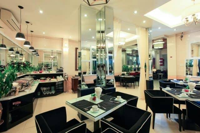 Không gian nhà hàng sang chảnh của Maison D'Hanoi Boutique Hotel (ảnh ST)