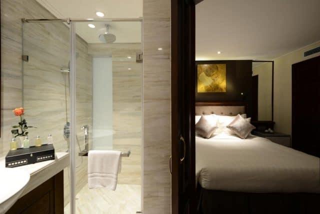 Phòng tắm của khách sạn The Chi Boutique Hotel (ảnh ST)