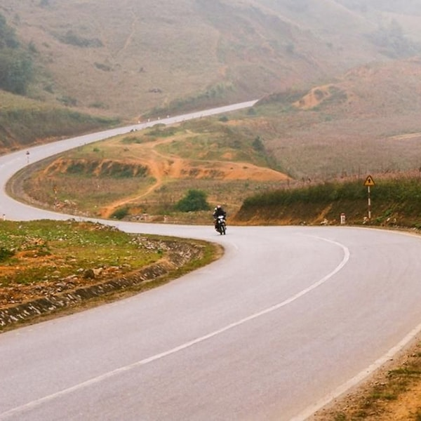 Con đường chữ S huyền thoại trên đường lên Mộc Châuhút hồn du khách