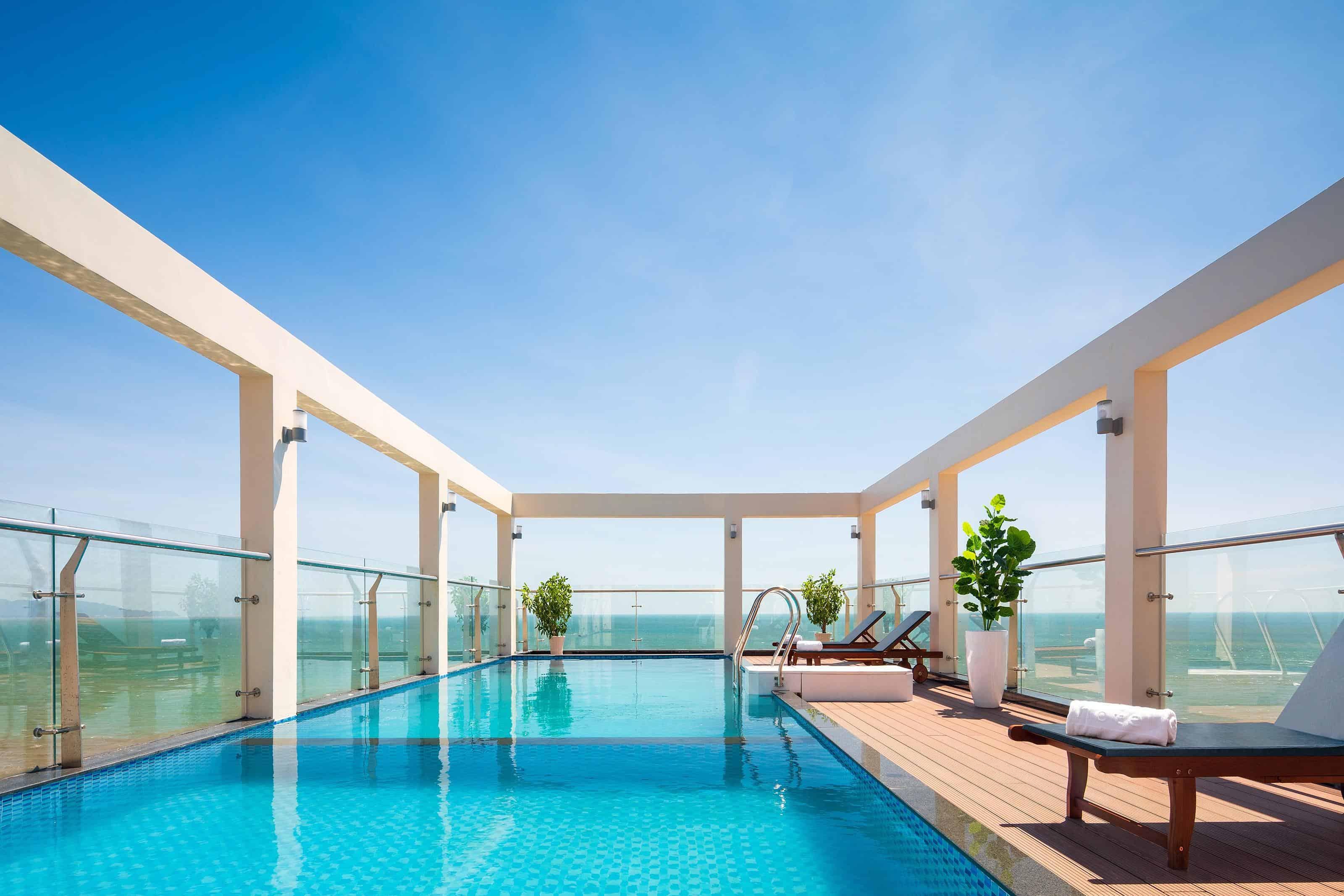 Khách sạn Corvin Vũng Tàu có bể bơi riêng