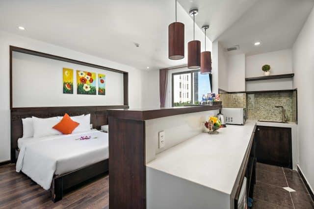 Emily Hotel and Apartment là khách sạn và phòng căn hộ cao cấp tiêu chuẩn 3 sao