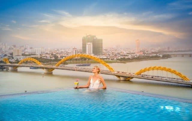 Khách sạn Val Soleil bên bờ sông Hàn